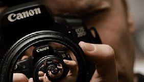Фактично кожні чотири дні в Україні б'ють журналістів — НСЖУ
