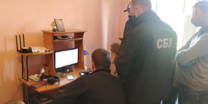 В Івано-Франківську затримали відомого у світі хакера